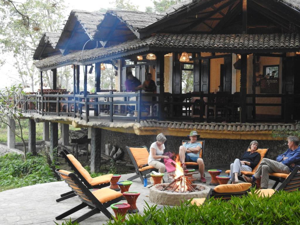sapana village lodge chitwan